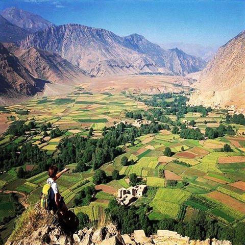 Vue panoramique de la vallée